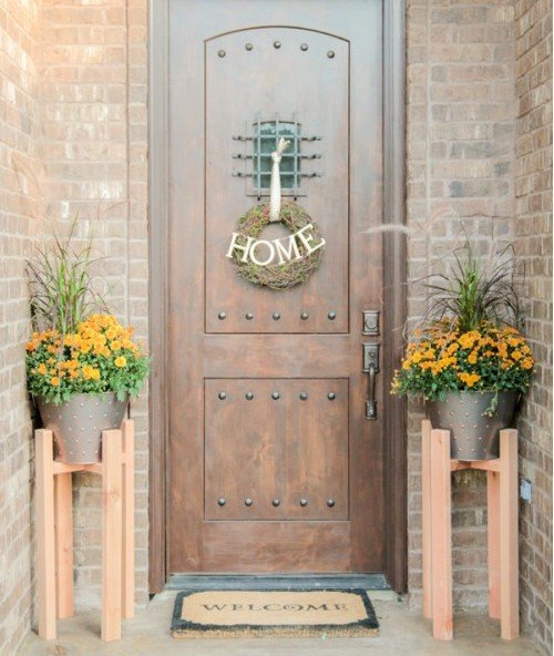 Beautiful And Welcoming Outdoor Plant Stand