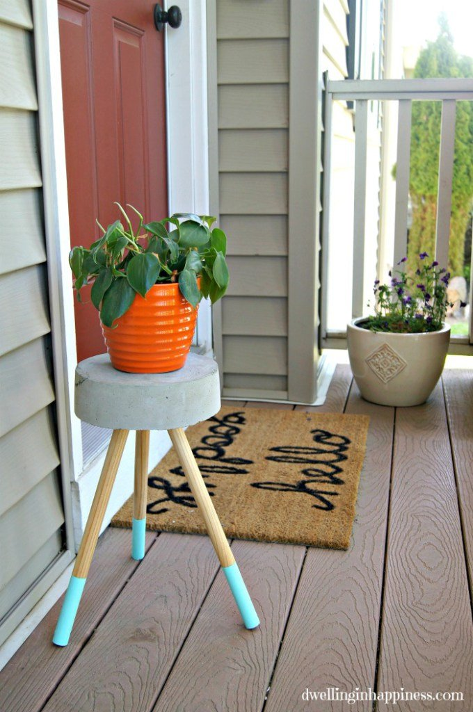 Welcoming Plant stand