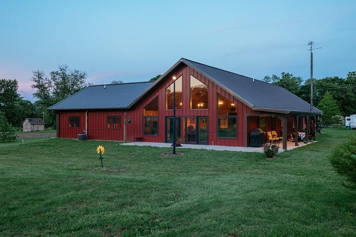 Metal buildings with living quarters advantages and for Steel barn home kits