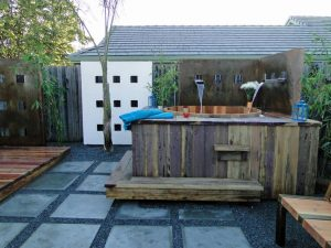 outdoor jacuzzi accommodation victoria