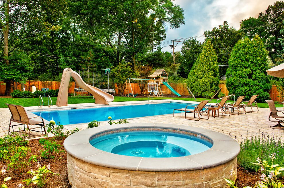 tiny swimming pool design with rounded jacuzzi - Swimming Pool Designs