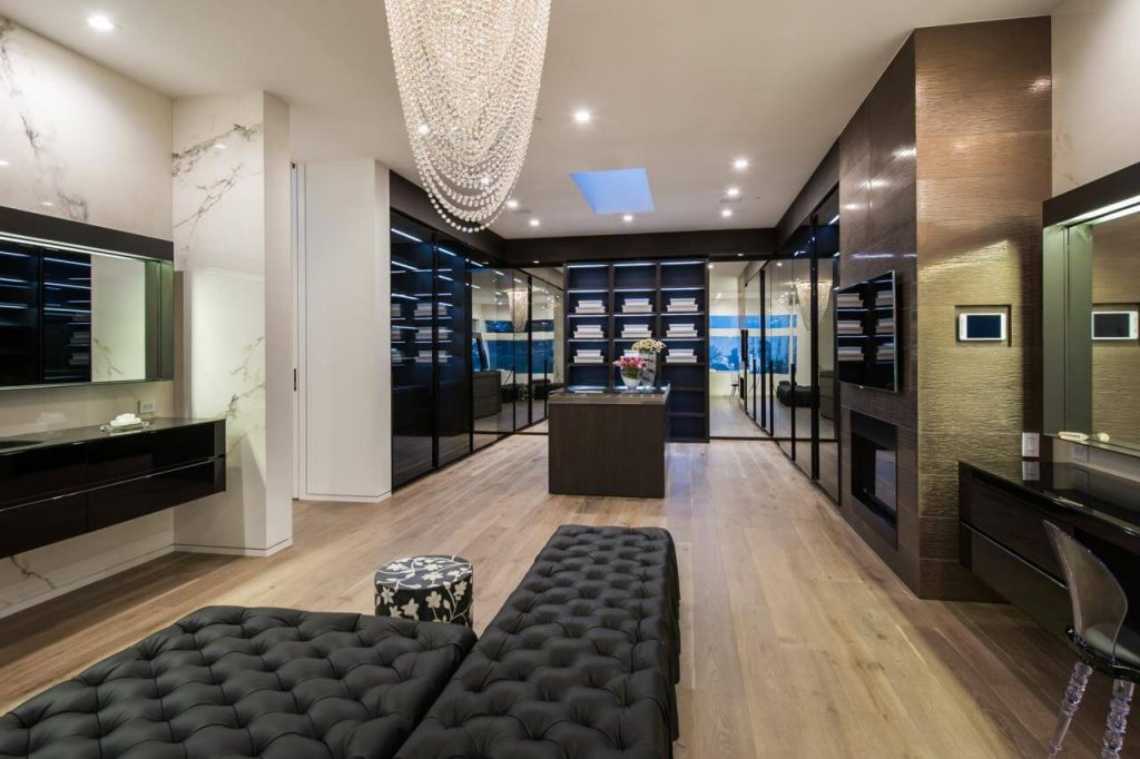 Awesome Big Walk In Closet With Flooring To Ceiling Wardrobe