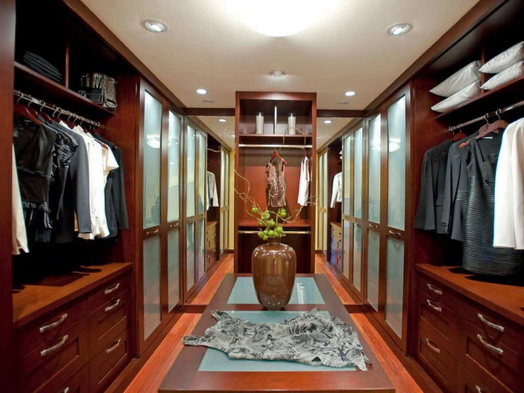 Wood luxurious walk in closet ideas