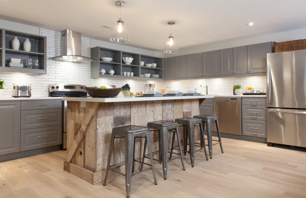 recovered wood kitchen with big island - Reclaimed Wood Kitchen Island