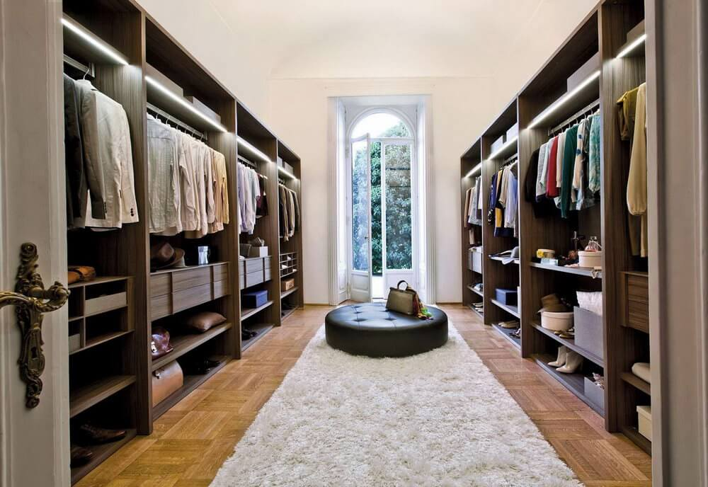 Walk in closet Small Highend Walk In Closet With Seating Area Don Pedro 37 Luxury Walk In Closet Design Ideas And Pictures
