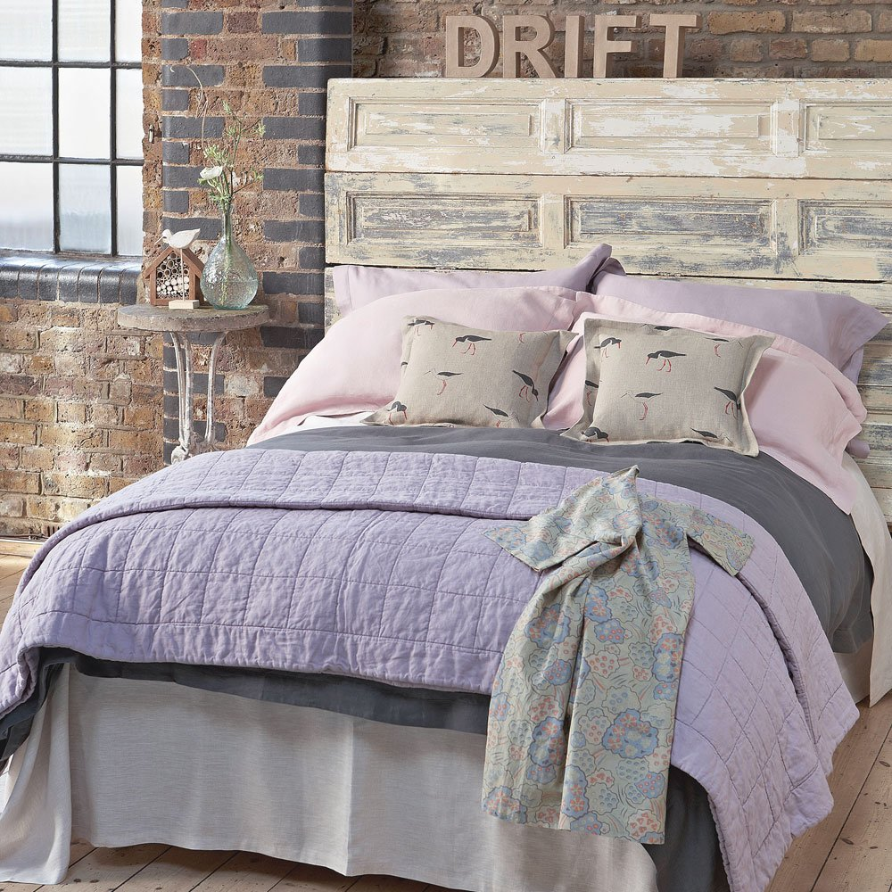 soft purple bedroom color idea