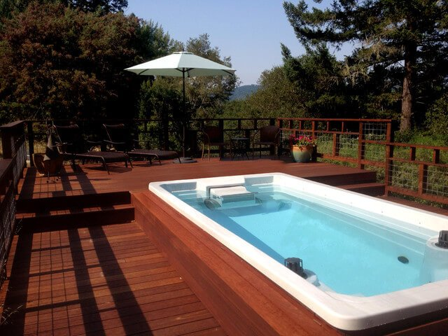 luxury swimming pools uk