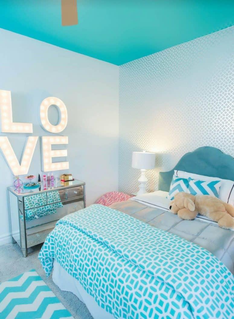 51 stunning turquoise room ideas to freshen up your home rh donpedrobrooklyn com Aqua Furniture Decor Lavender Aqua Bedroom Decor