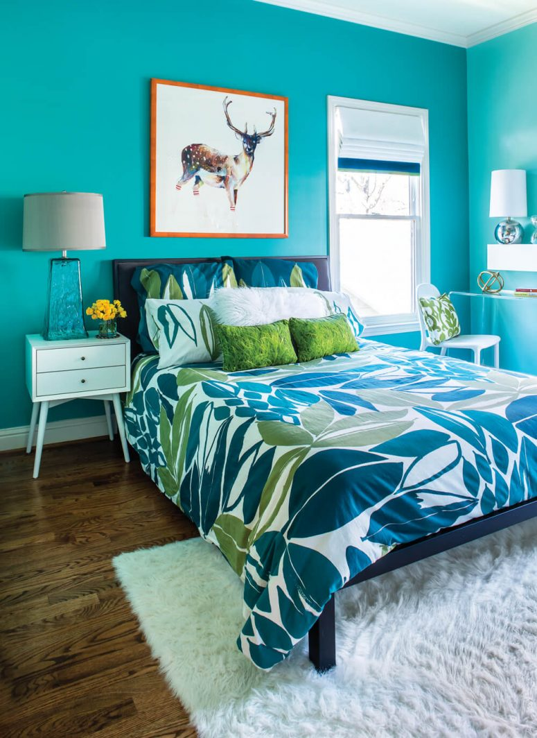 51 stunning turquoise room ideas to freshen up your home for Black and white and turquoise bedroom ideas