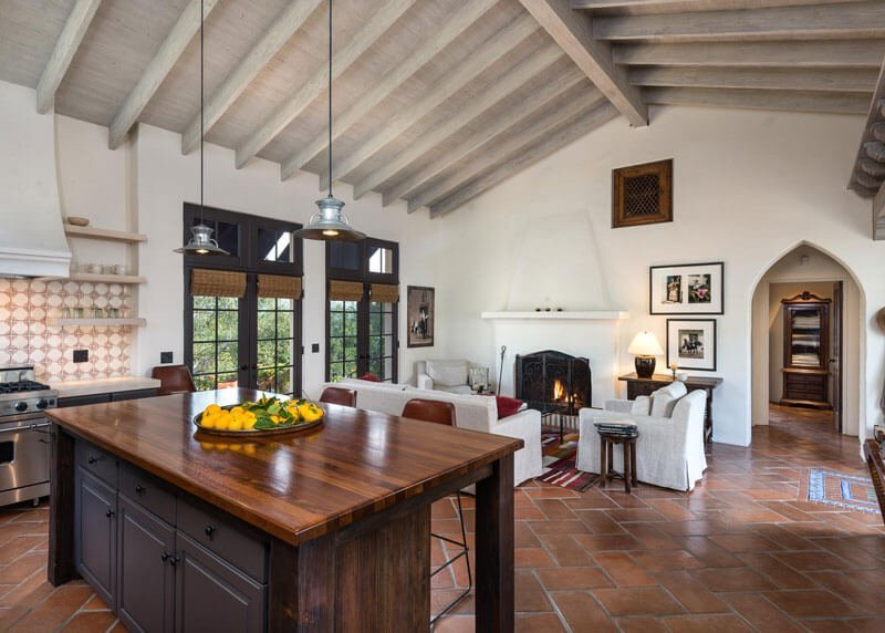 31 modern and traditional spanish style kitchen designs for Modern spanish style homes