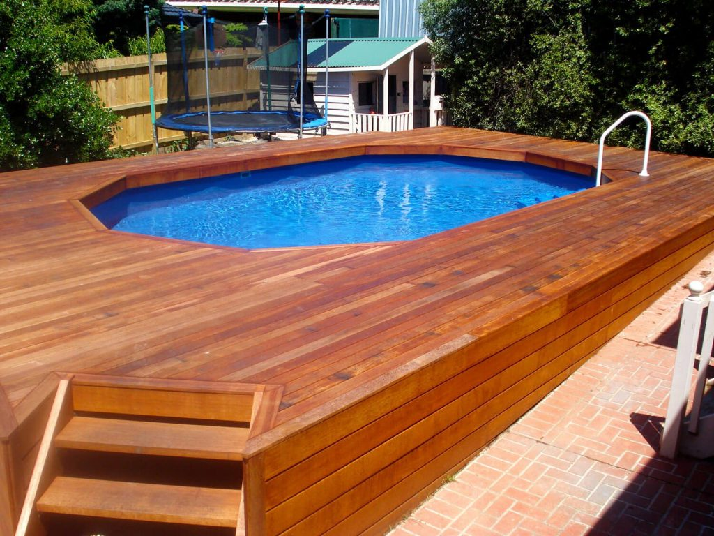 Simple set of deck for oval shaped pool