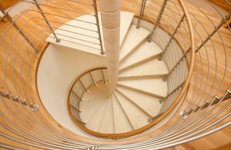 Good Elegant Spiral Staircase