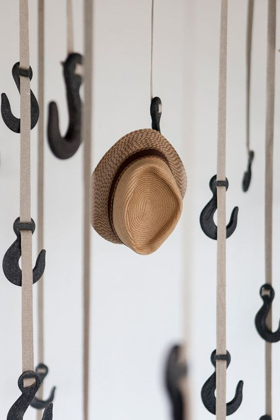 50 diy hat rack ideas for your next home project for Hat hanging ideas