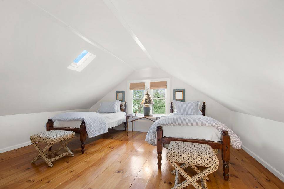 35+ Clever Use of Attic Room Design Ideas