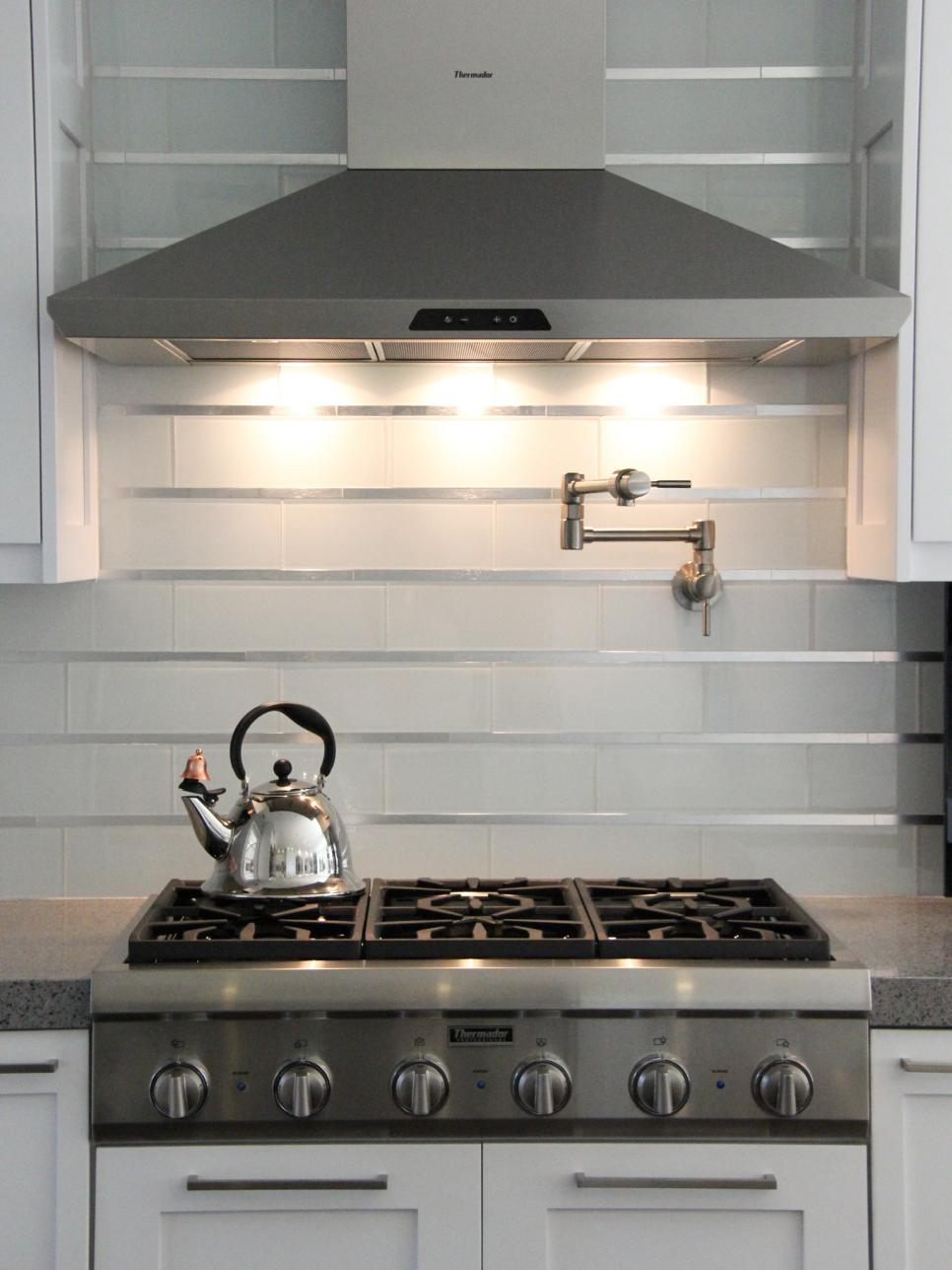 Stainless steel kitchen backsplash ideas