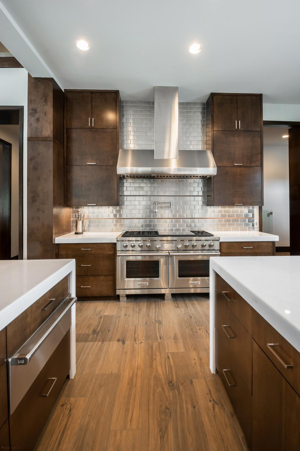 Stainless Steel Backsplash The Pros The Cons And The Ideas