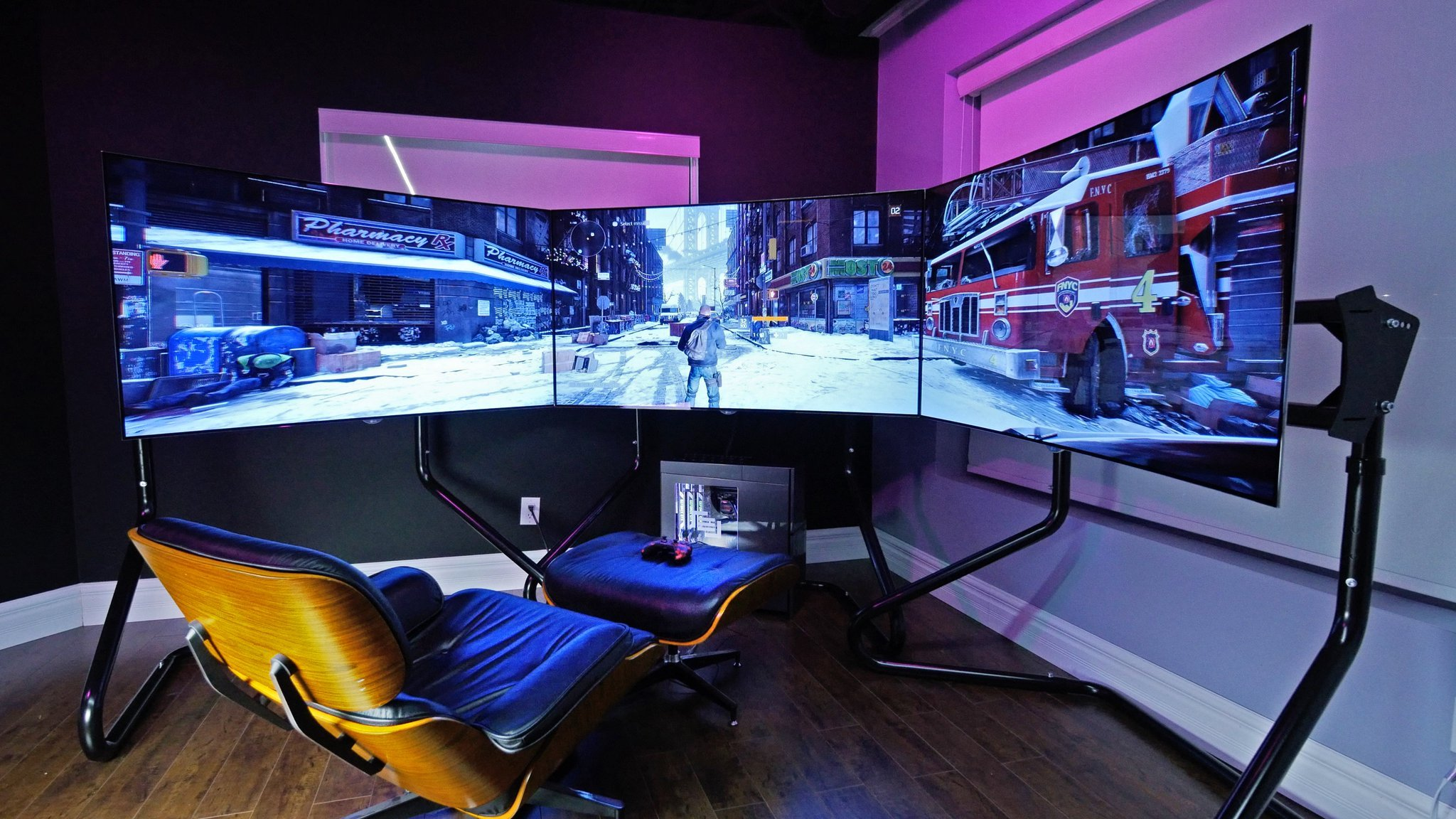 a video gaming room is basically a recreation roomwhich is to have fun that is why the room should not be messy and cramped - Gaming Room