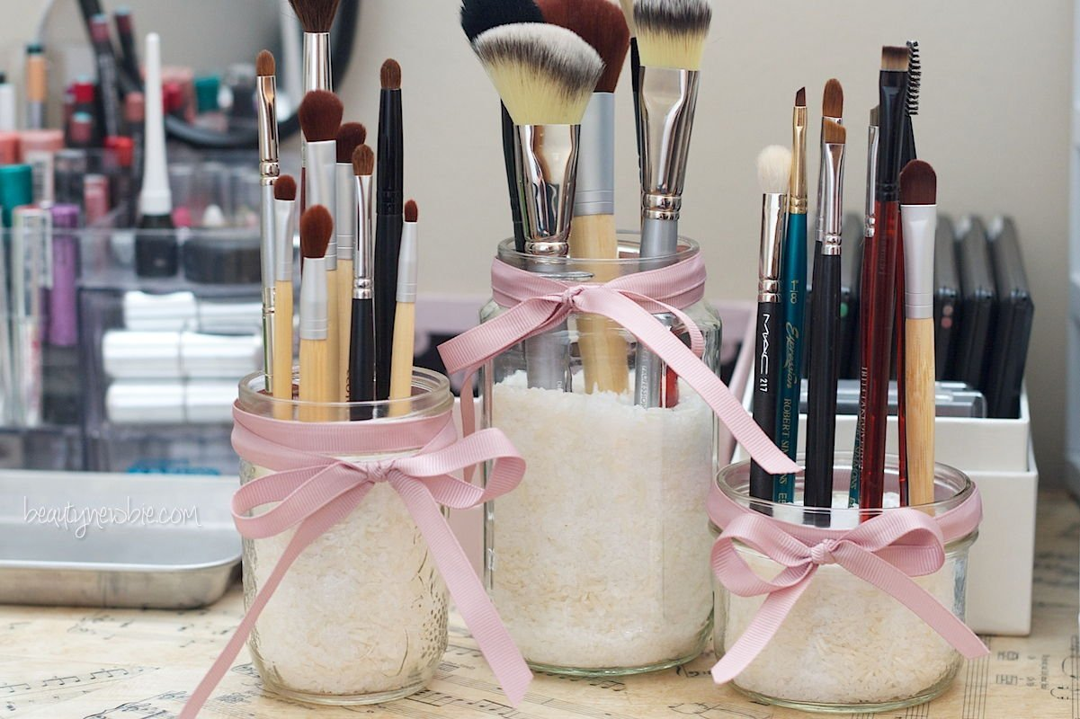 11 DIY Makeup Storage Ideas That Will Save Your Time