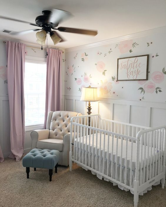 19 Adorable Ideas For Decorating Small Nursery: 10. Shabby Chic Baby Girl Room