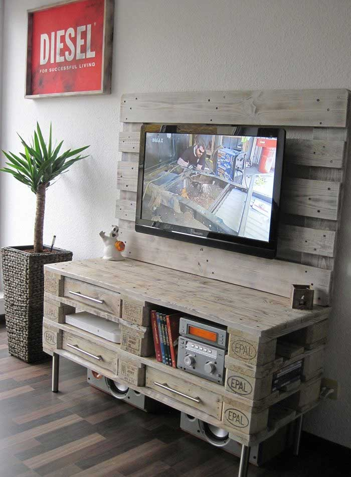 Superieur Diy Tv Base