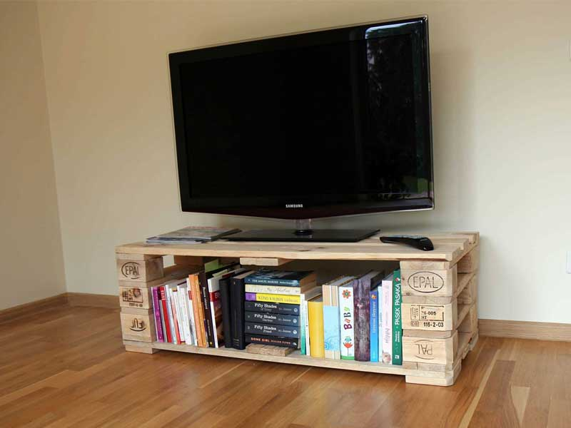 21 diy tv stand ideas for your weekend home project. Black Bedroom Furniture Sets. Home Design Ideas
