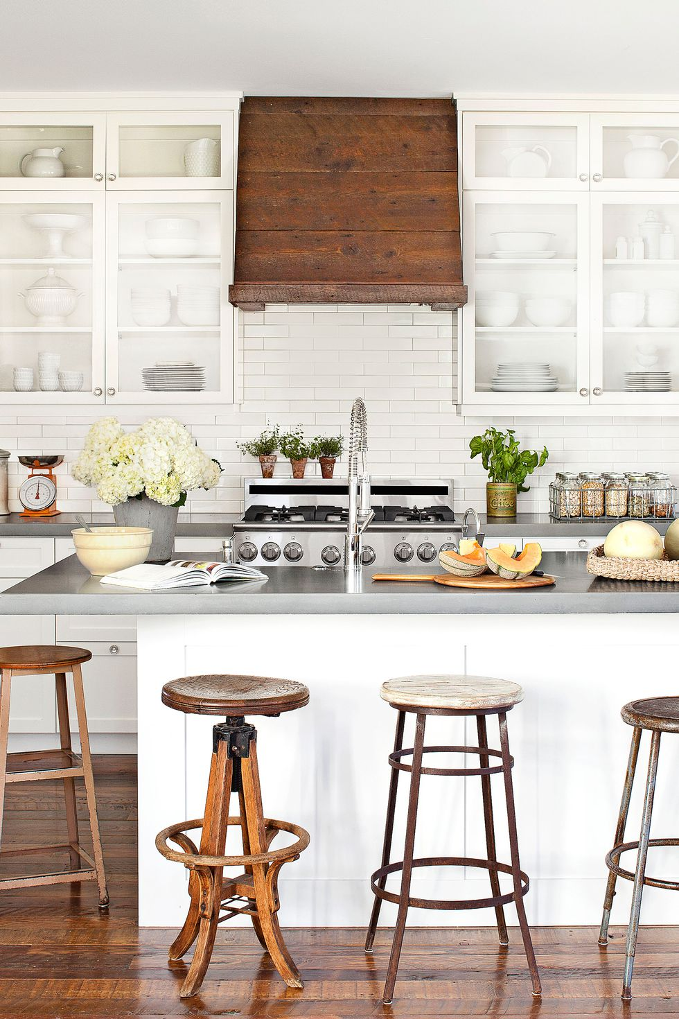 farmhouse white kitchen style