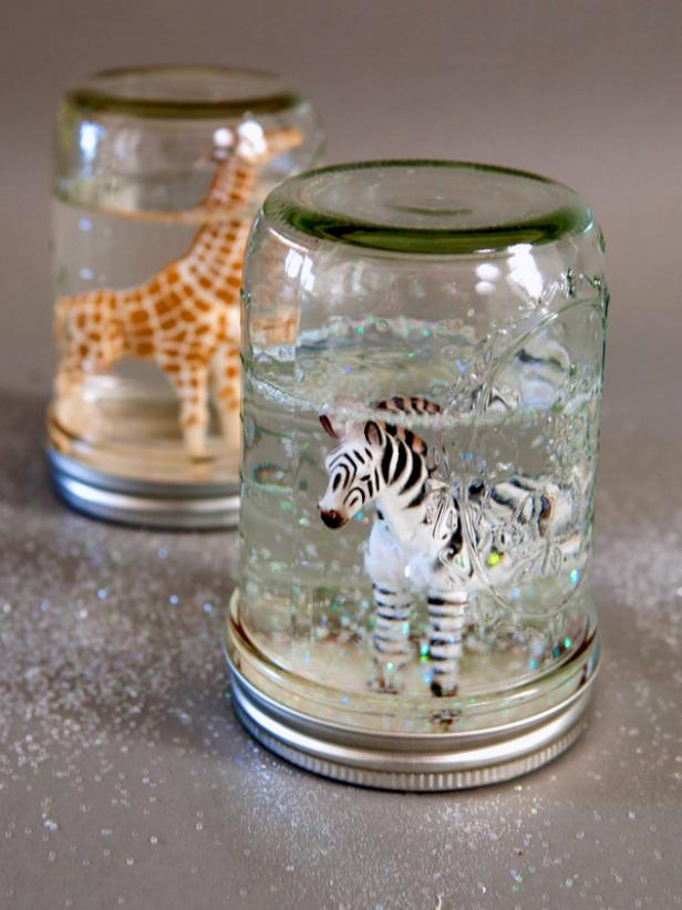 51 Diy Christmas Gift Ideas That Your Friends &Amp; Family Will Love - Snow Globe Cookie Jar 4