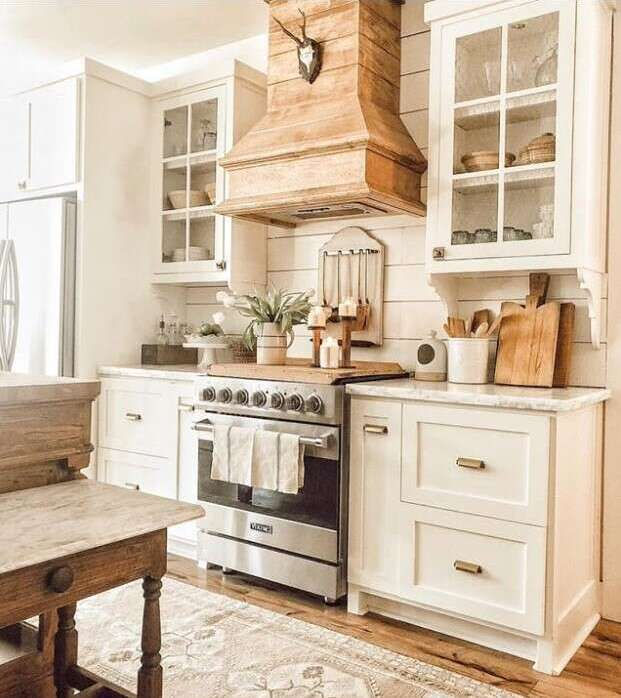 25 Farmhouse Kitchen Decor Ideas You'll Want To Copy