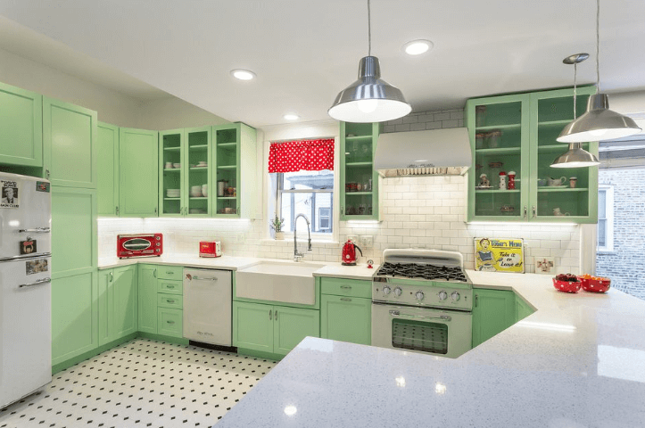 26 Gorgeous Green Kitchen Cabinet Ideas To Try In 2021 - Kitchen Design And Layout Ideas With Green Kitchen Cabinet 18