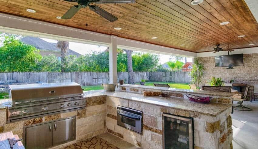 Outdoor Kitchen Facade