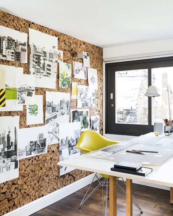 Stay Organized Thanks to a Cork Wall
