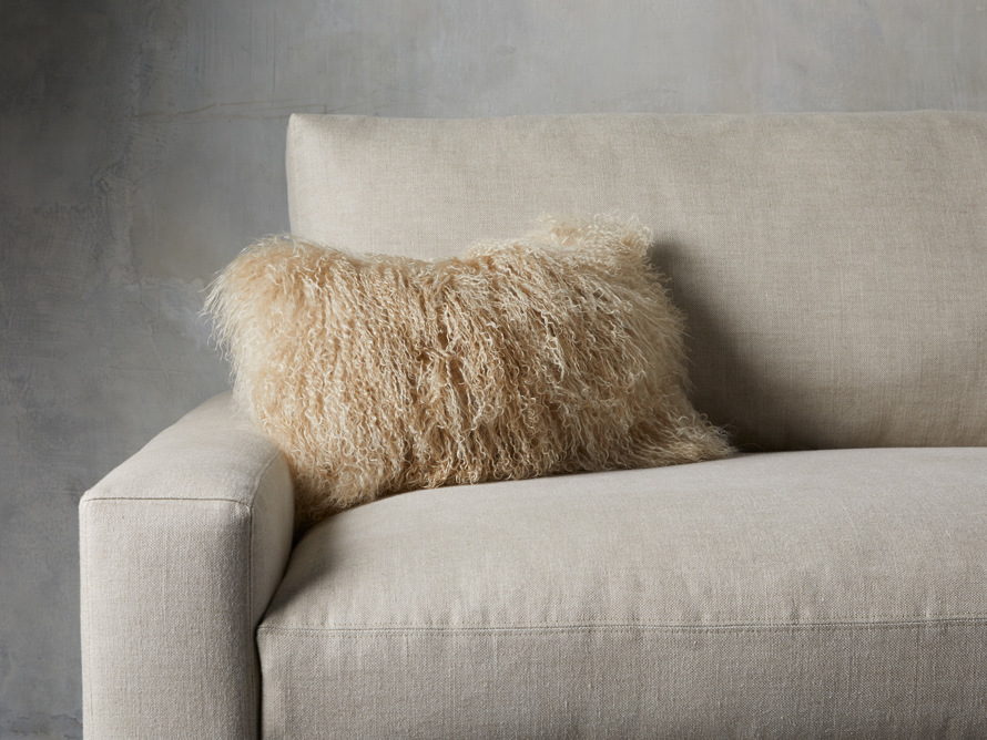 The chic appeal of longwool pillows