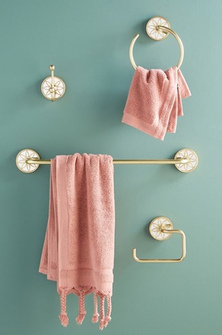 Decorate with a Floral Towel Hanging Bar