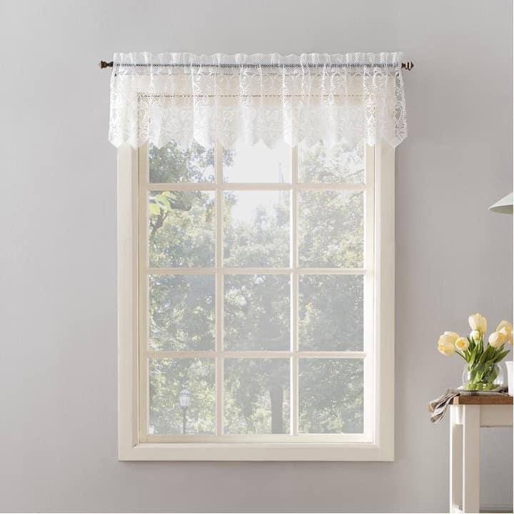 Hang Up a Net Window Valance