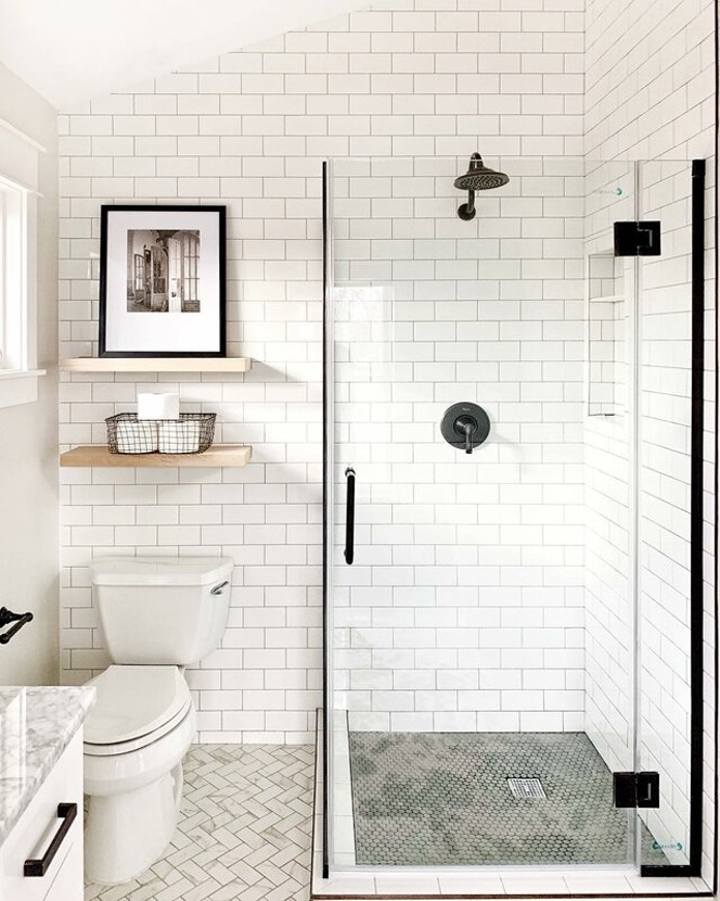 Sacrifice Some Shower Space – But Decorate Well to Make Up for It!