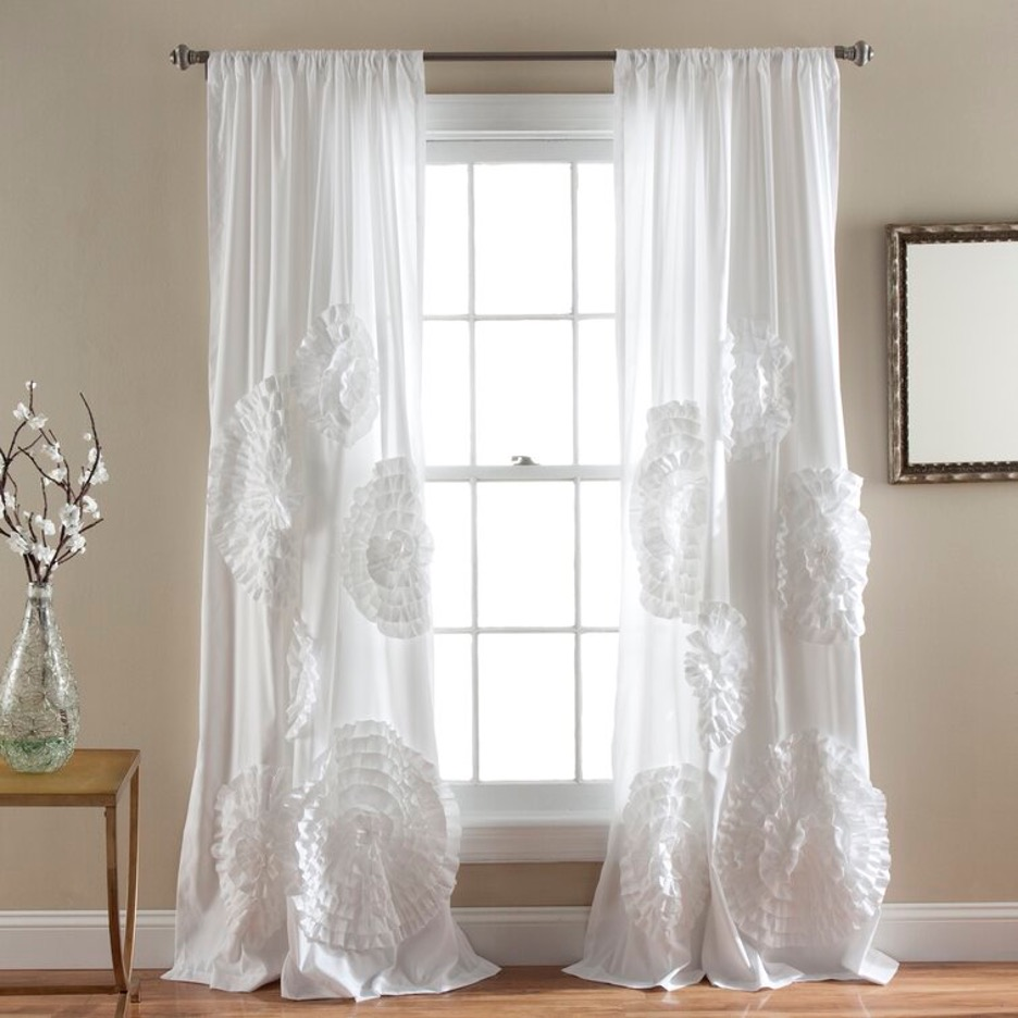 Up Your Style Game with Large Motif Curtains