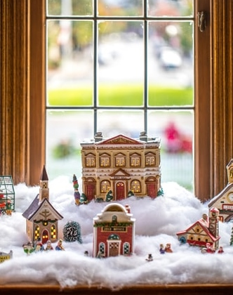 Make it a Holiday Showcase