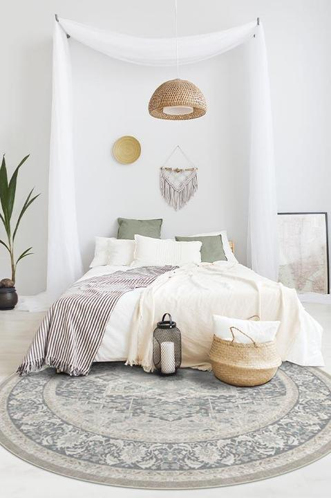 Add Momentum With a Round Rug