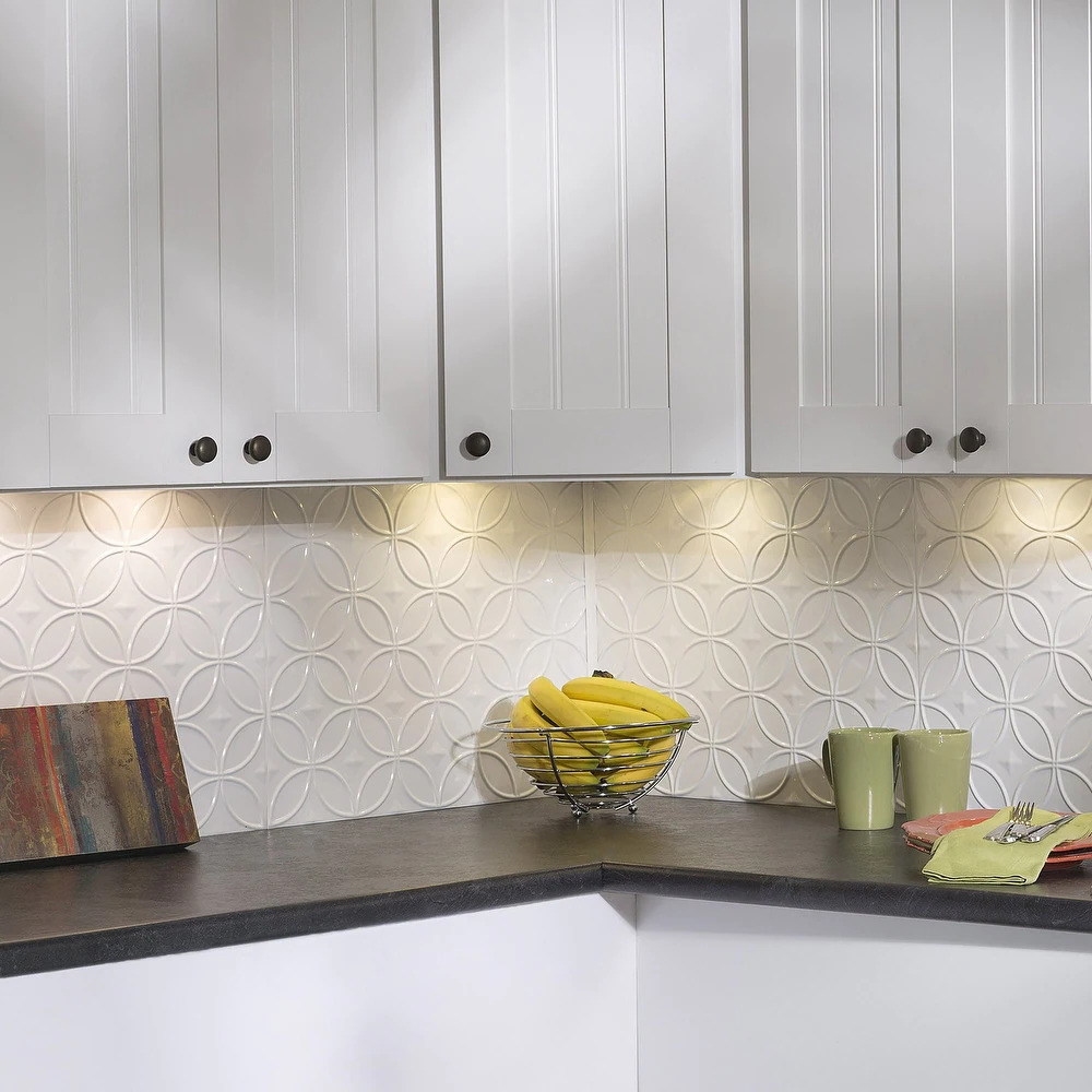 Incorporate Subtle Texture With an Overlapping Circle Backsplash