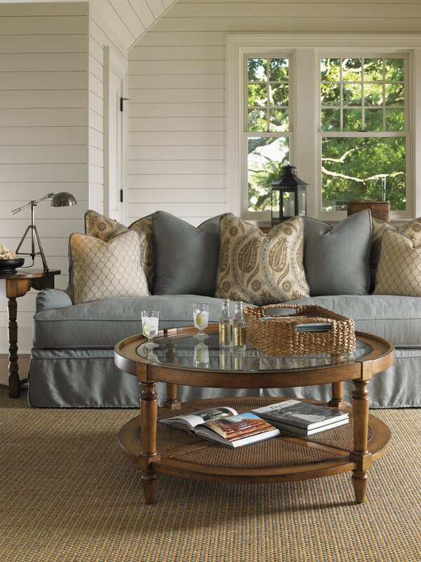 Wooden Accents Are Perfect for Farmhouse-Style Homes